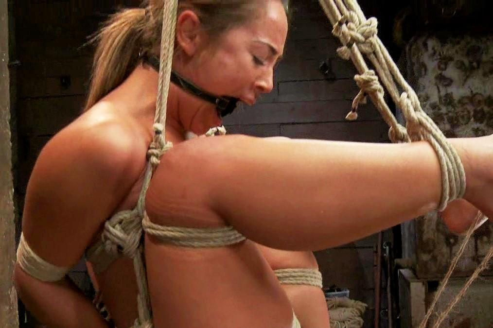 Kinky swinging couple: Free bondage sex picture, Bondage and masochism: www.equbits.com/femdom-xxx-movies-00/kinky-swinging-couple.html
