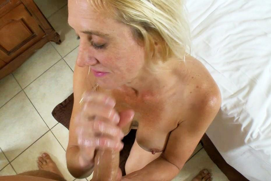 Older woman free porn video — photo 12