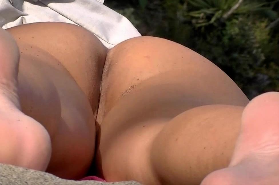 nudes of karishma tanna